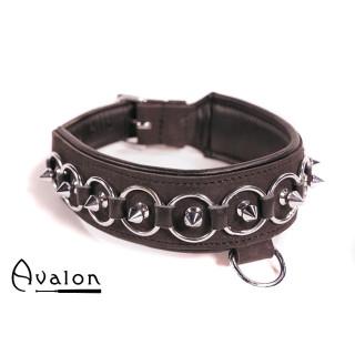 Avalon - WORSHIP - Collar med spisse nagler, ringer og D-ring - Sort